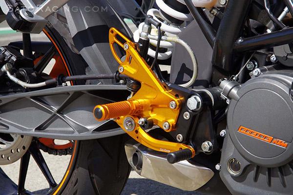 sato racing   rear sets - ktm 125 / 200 duke ('11- )